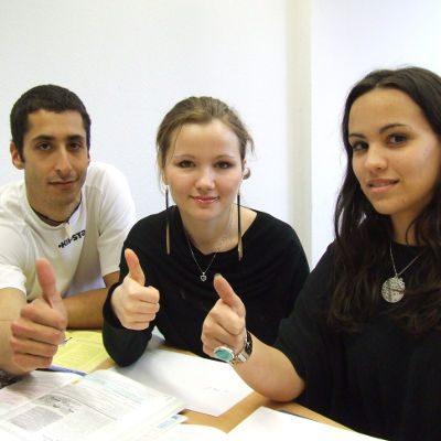language-school-834140_400_400